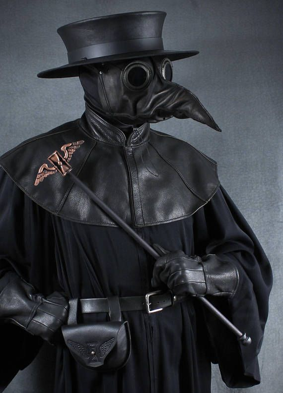 Pin by Lea on Tatuagem sombria in 2021   Plague doctor ...