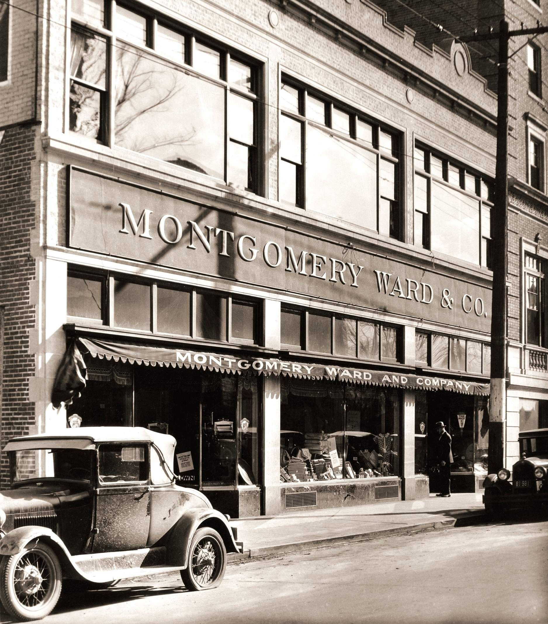 Montgomery Ward opened its Charleston, WV store in September of 1928 next door to the Daniel Boone Hotel.