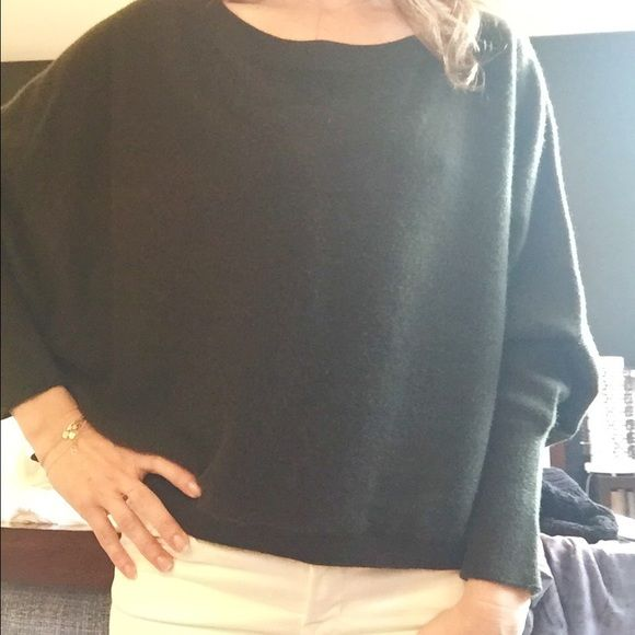 Vince cropped/ boxy sweater cashmere Forrest Green Vince cashmere ...
