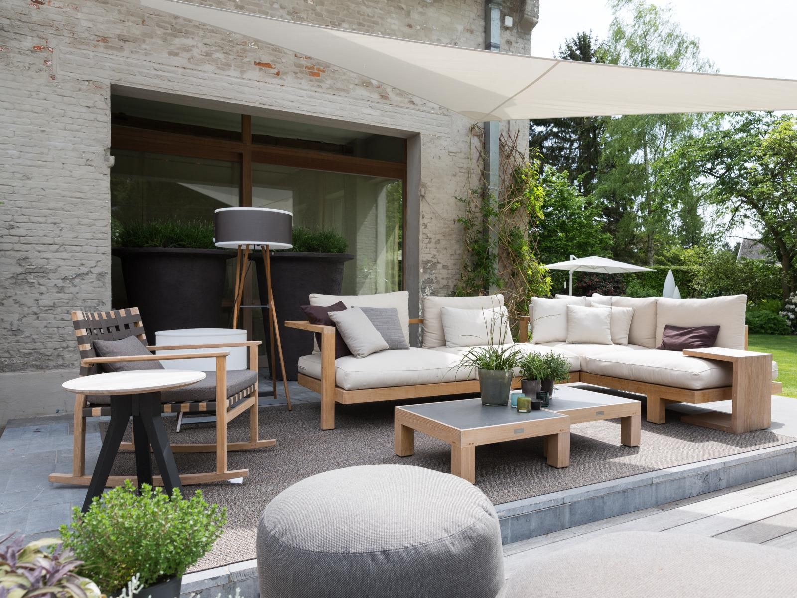 Tribu Pure sofa teak c-tafeltje | Garden ideas | Pinterest ...