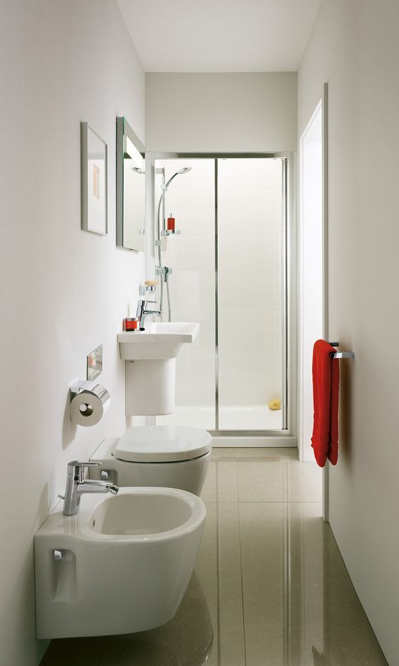 5 Semplici trucchi per ristrutturare un bagno stretto e lungo ...