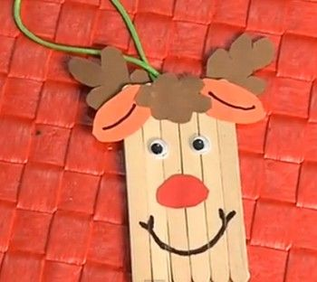 C mo hacer un reno de navidad con palitos de helado for Manualidades de navidad para ninos