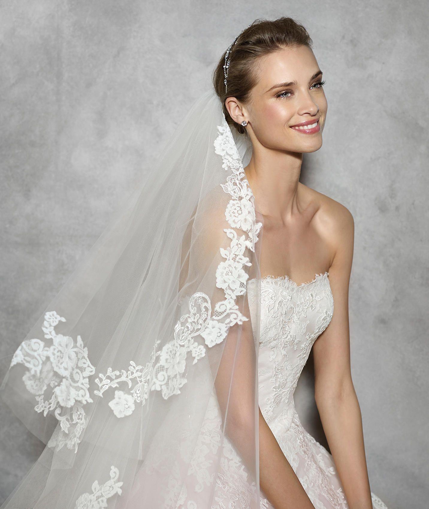 TOSHA - Brautkleid im Prinzessin-Stil mit herzförmigem Dekolleté ...