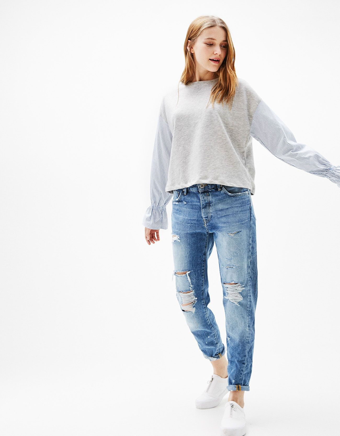 Slim Boyfriend jeans with rips REF 0190 969 Bershka 75f960be6