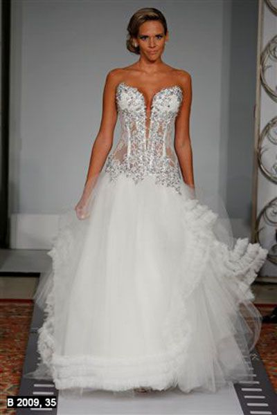 Pnina Tornai Born November 25 1962 Is A Wedding Dress Designer And Reality
