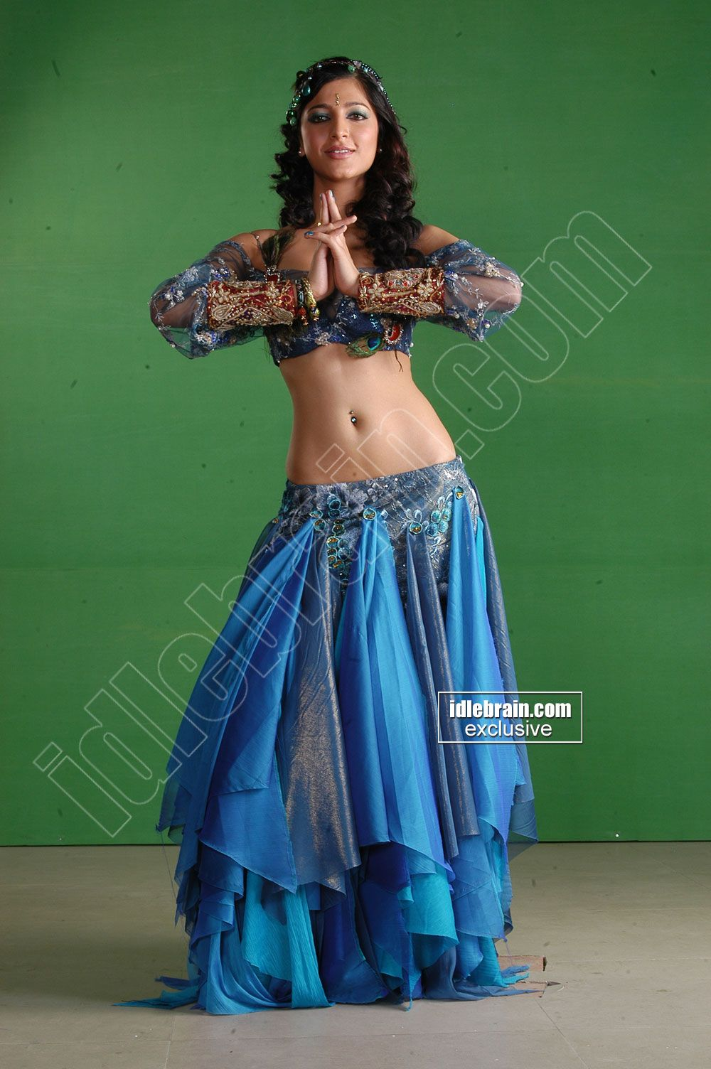 Sruthi Hassan Hot Navel N B00Bs Showlatest Spicy Pics -9505