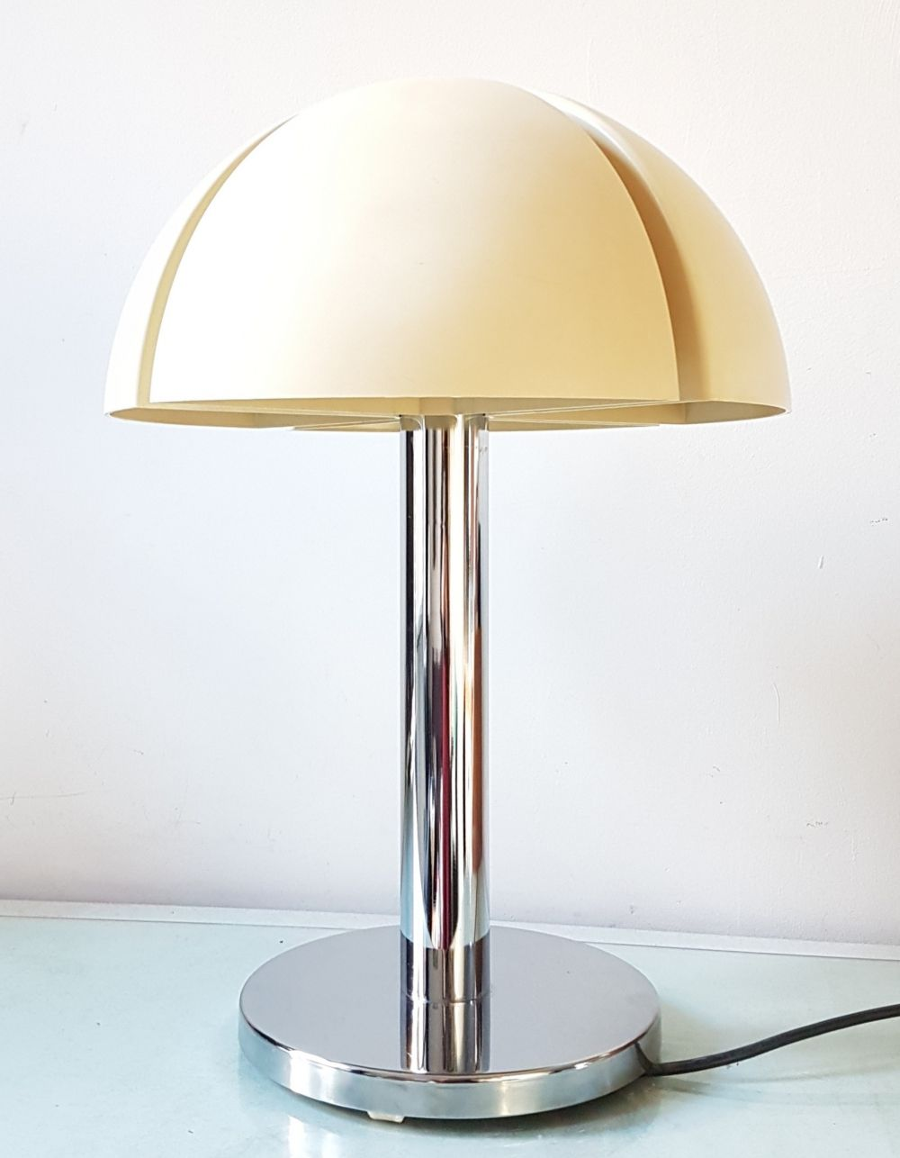 For Sale Octavo Table Lamp By Raak Amsterdam 1970s In 2020 Table Lamp Lamp Table