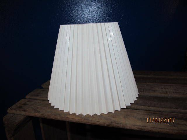 Vintage White Plastic Pleated Clip On Lamp Shade Washable Accordion Style 6 1 4 Tall Replacement Shade Lamp Shade White Vintage Lamp