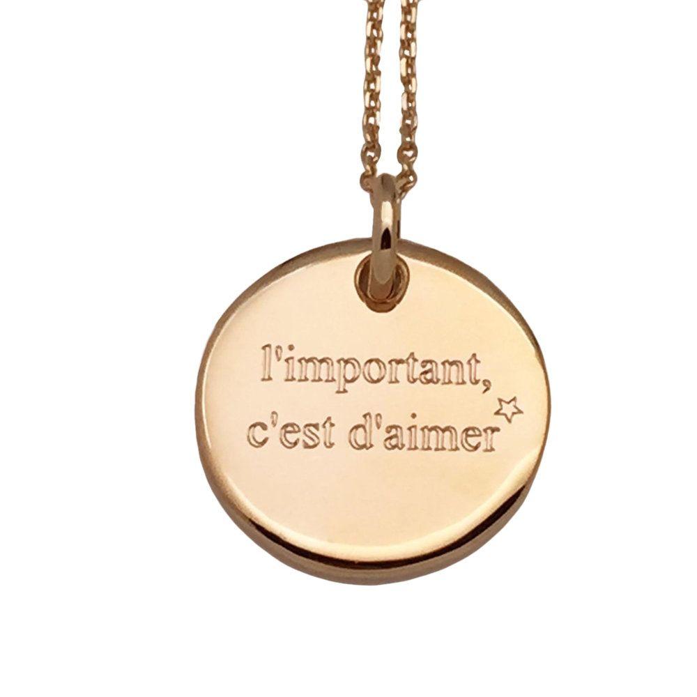 Chaine 60 cm, médaille 20 mm. Collier laiton plaqué or gravée
