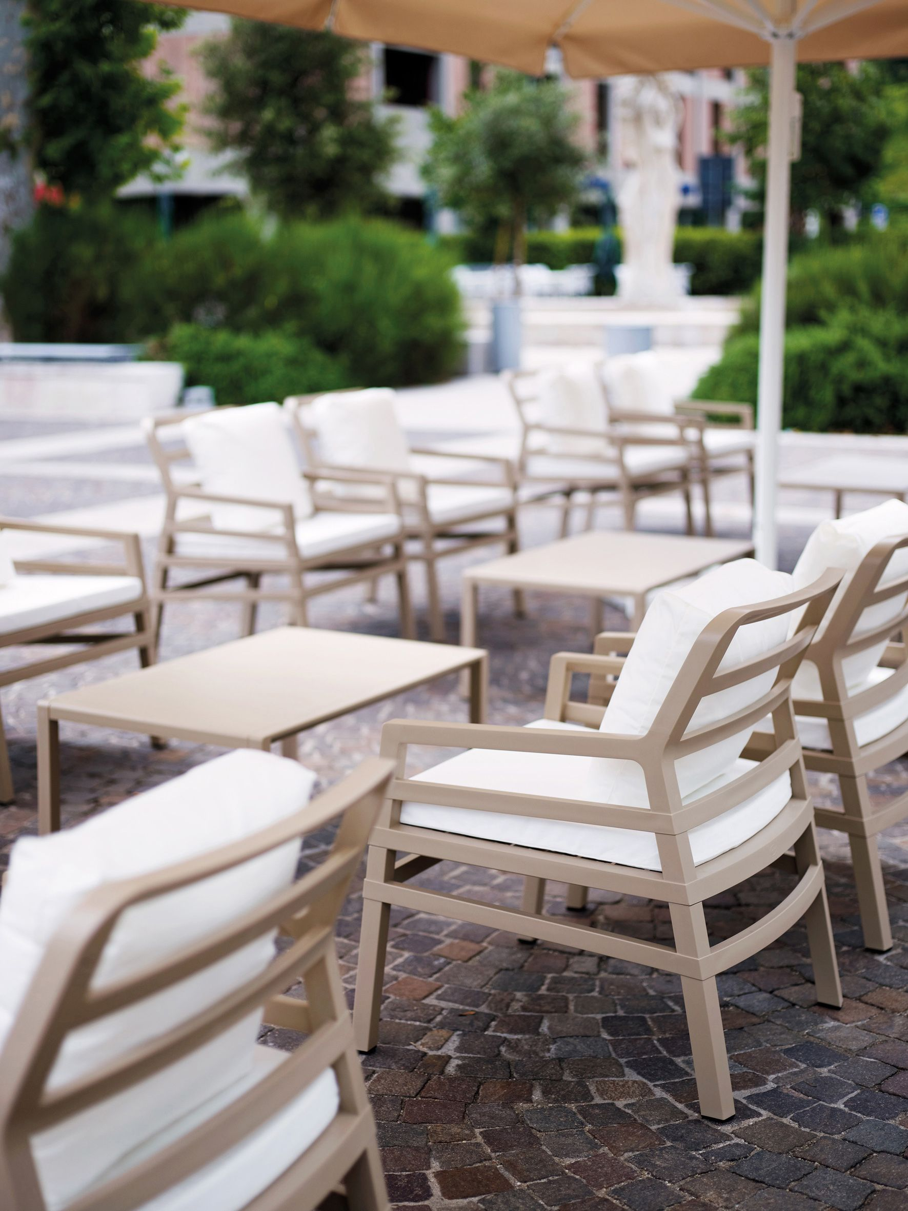Garden Furniture Colours aria chairnardi - avana with cream cushions more colours