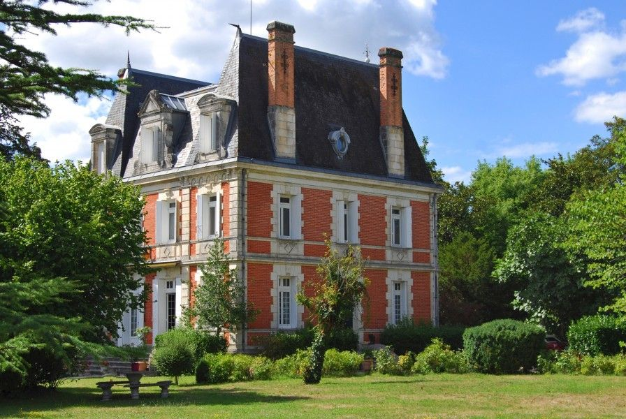 Superb 19th Century Château with 2 apartments; glorious