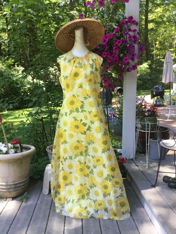 70 S Maxi Dress Yellow Floral Chiffon Maxi And Overdress Etsy 70s Maxi Dress Maxi Dress Floral Chiffon [ 3000 x 2250 Pixel ]