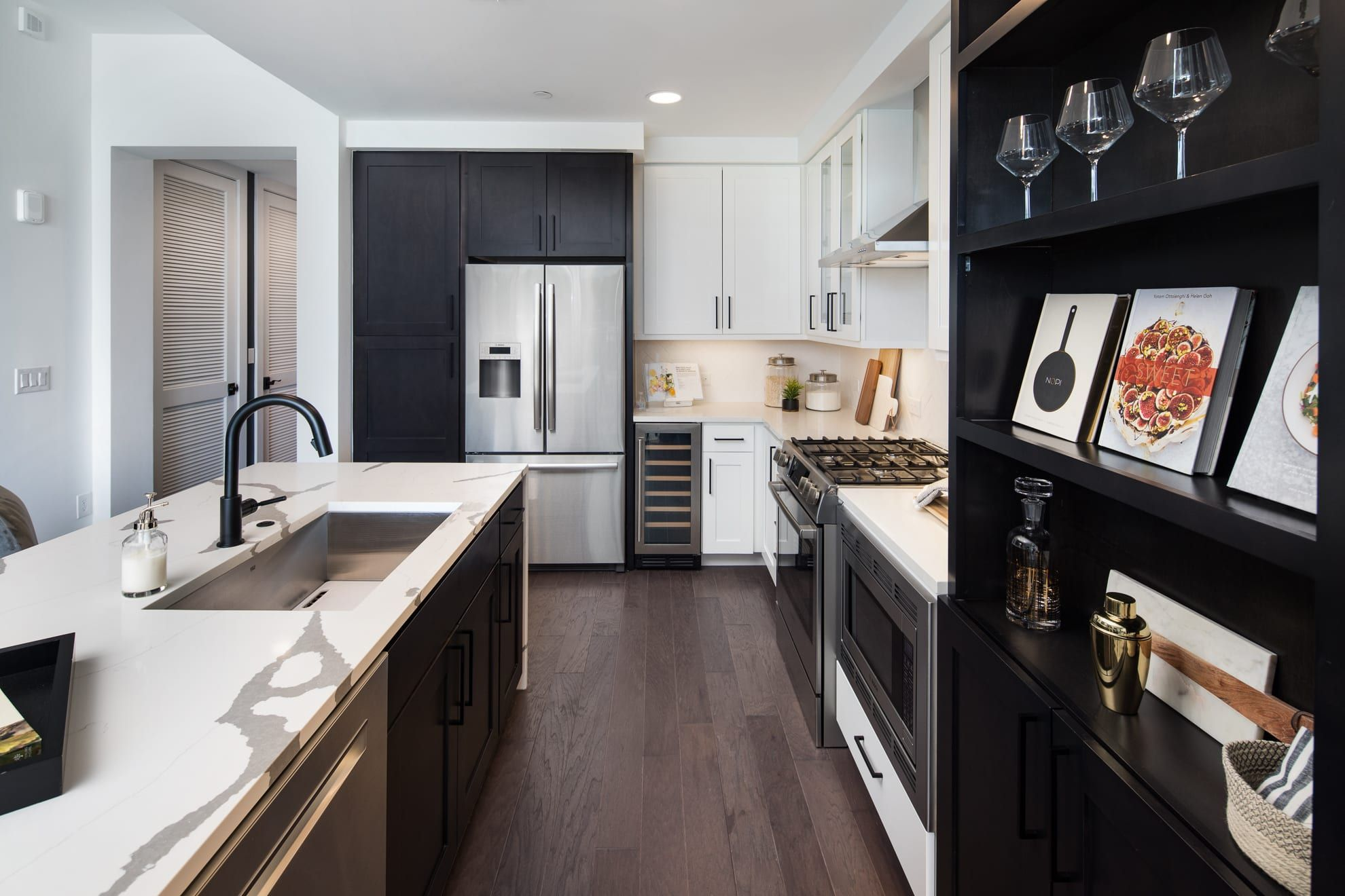 Can You Get An Apartment At 18 In Georgia Luxury Apartments In Buckhead Atlanta Atlanta Apartments Luxury Apartments Apartment Layout