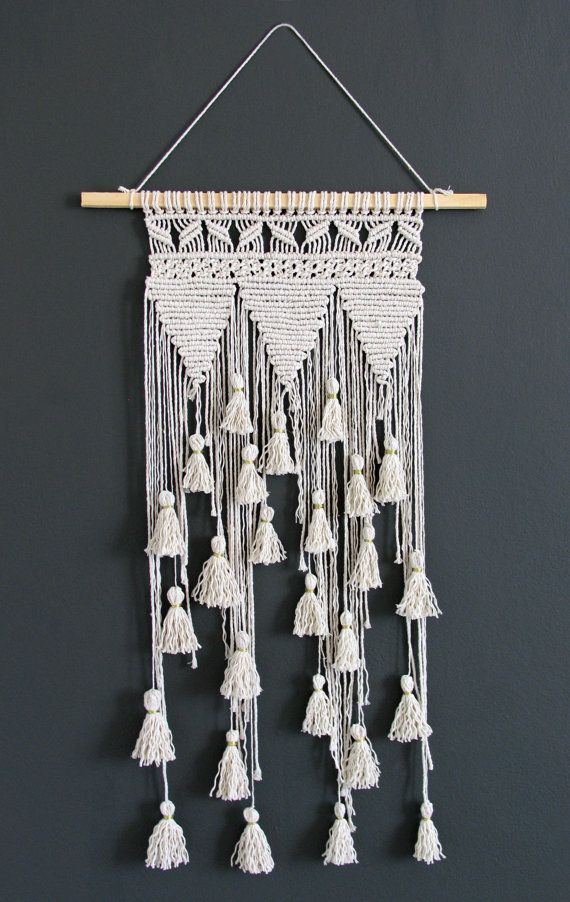 makramee wand h ngen macrame faser kunst von rustichandcrafts gardinen. Black Bedroom Furniture Sets. Home Design Ideas