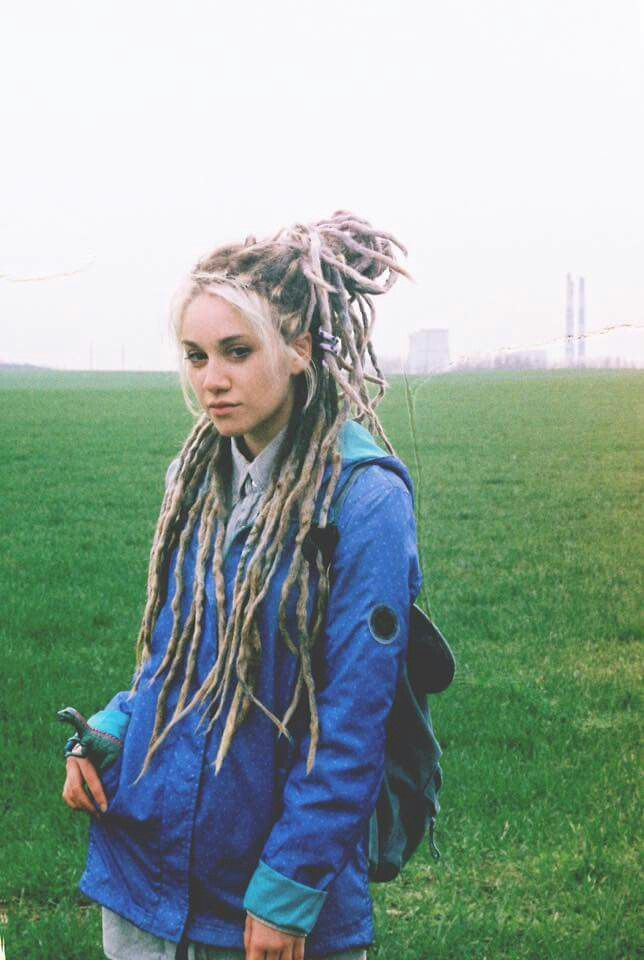 ashy blonde long dreadlocks
