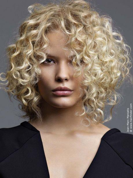Frisuren halblang naturkrauses haar