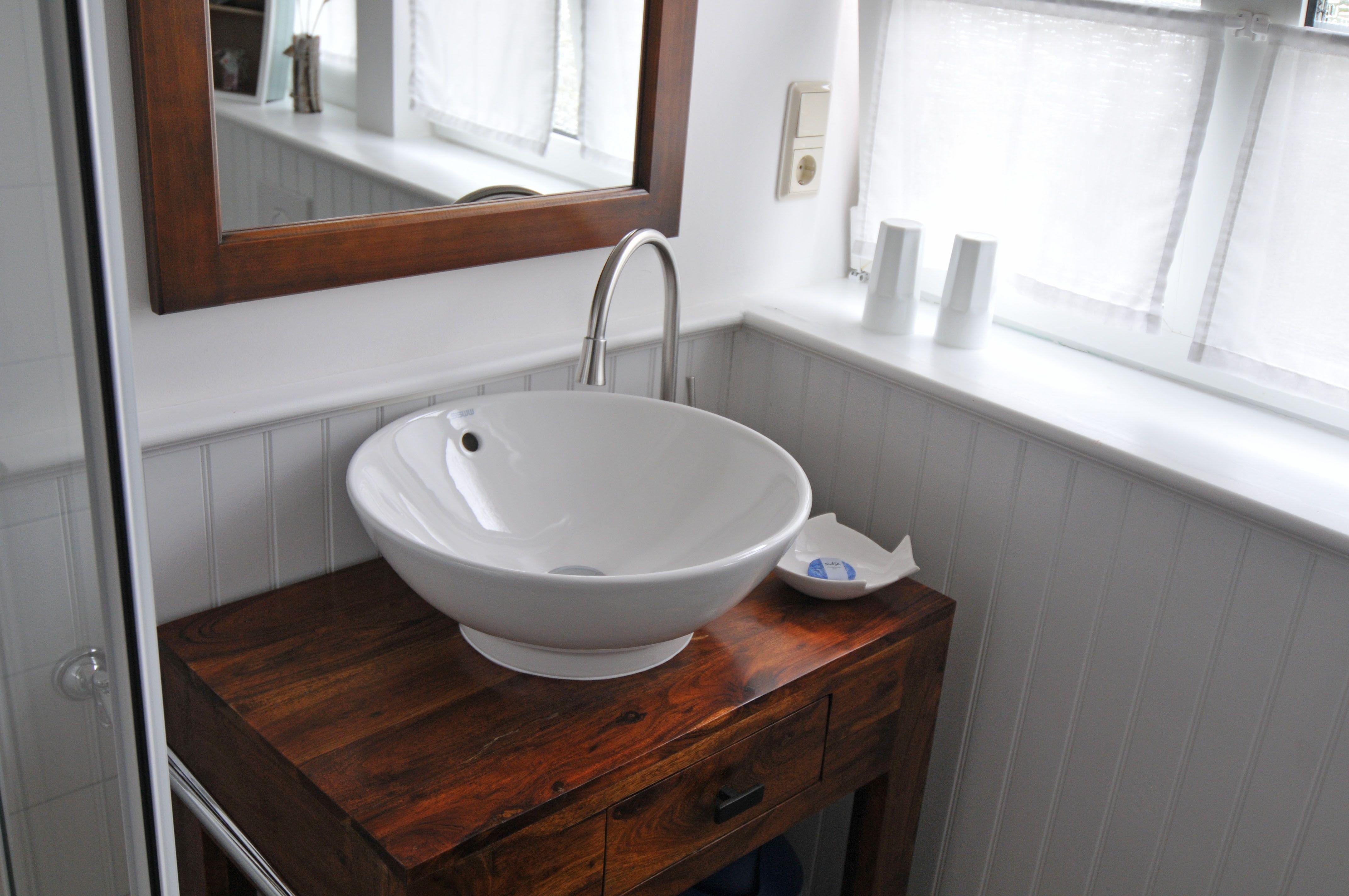 Badezimmer Klein Aber Fein Vanity Beadboard Bathroom Vanity