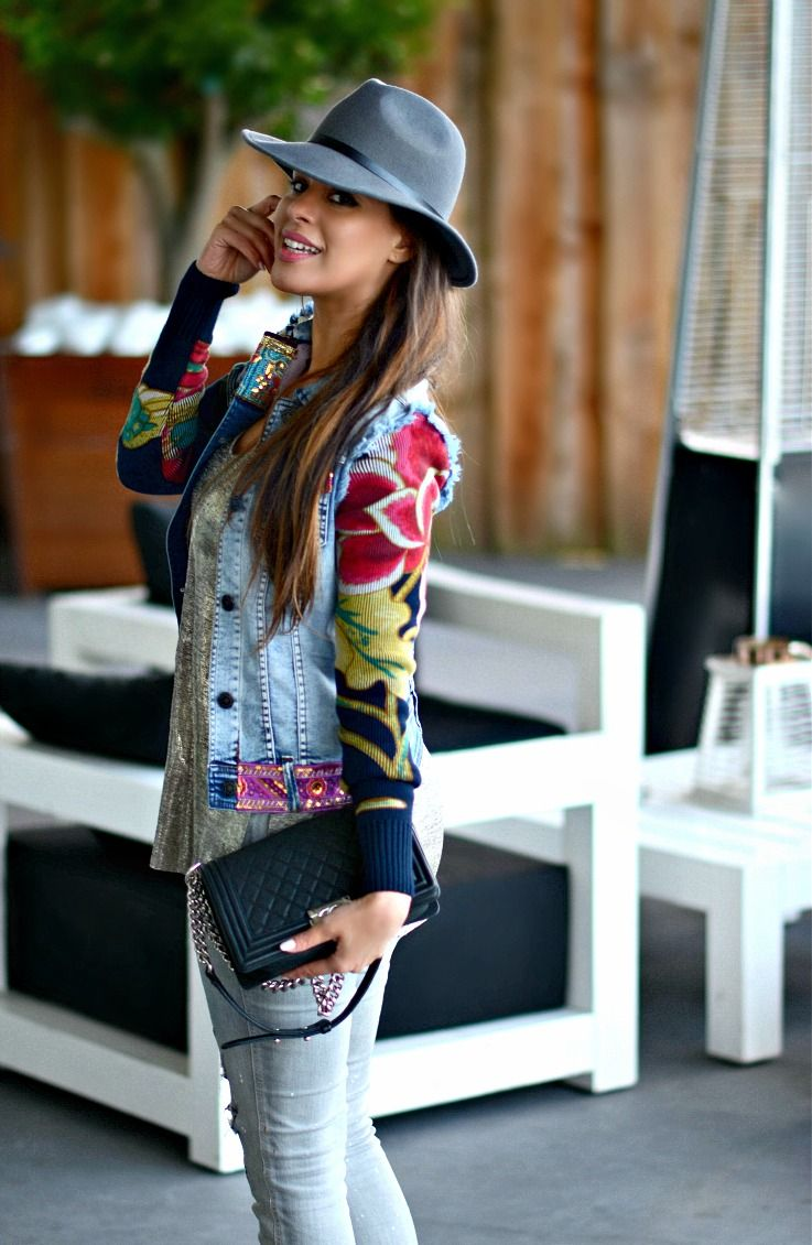 OUTFIT: Floral denim jacket, Desigual, Grey outfit, Chanel Boybag,