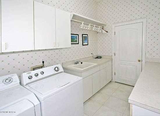 7 Reasons To Reconsider Wallpaper House Design Laundry Room Large Homes
