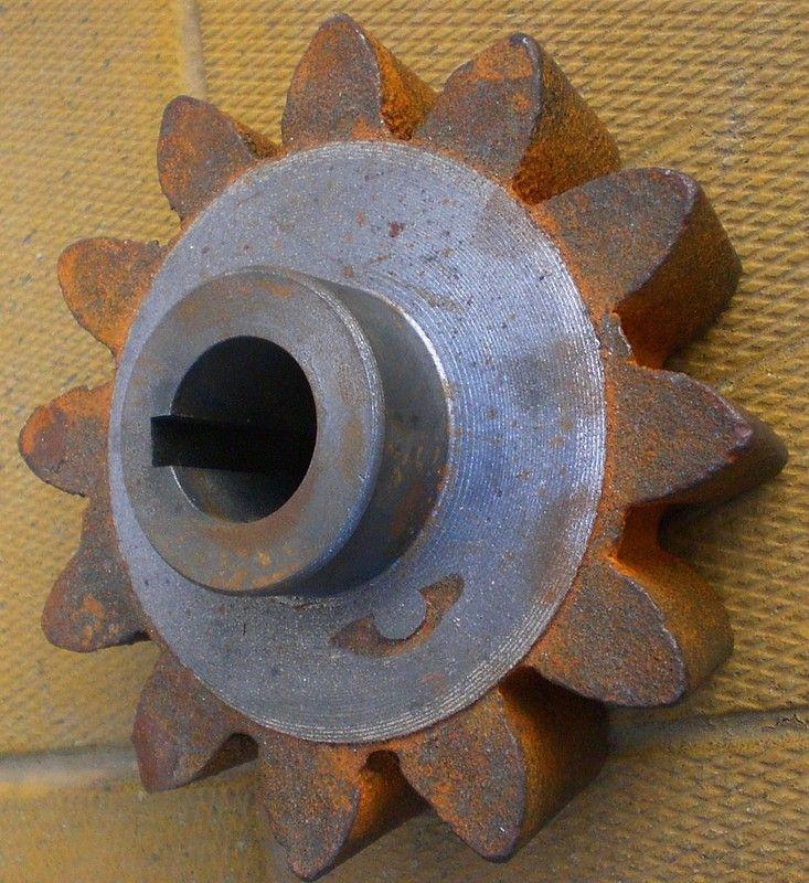Шестерня BWE250 12 зубов, 22 мм посадочный диаметр. Заказать детали, узнать информацию о наличии и ценах запчастей можно по +375 29 6276284 или +375 33 6034357