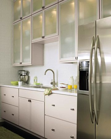 Living kitchen designs from the home depot kitchens for Cocinas y banos modernos