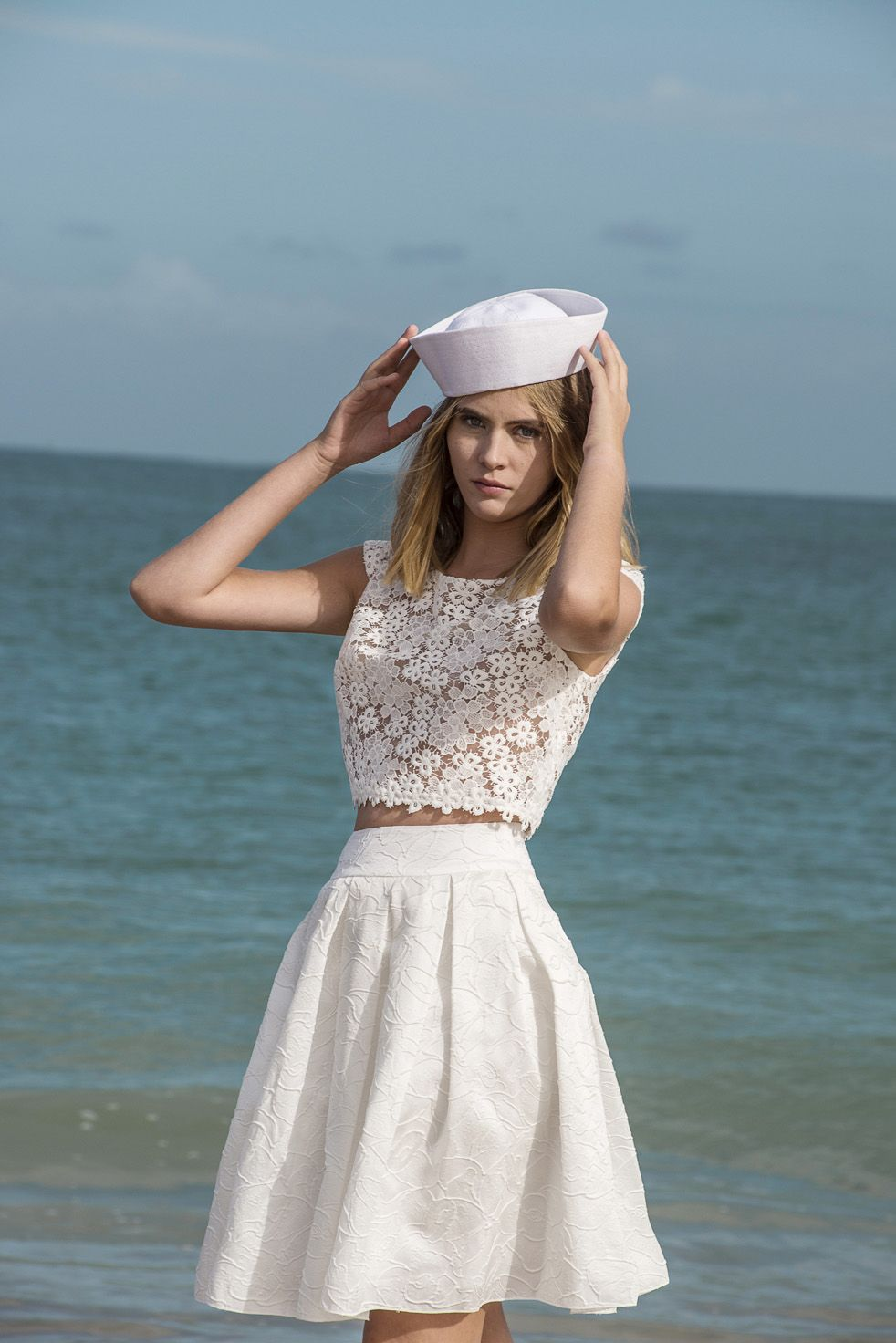 magasiner pour le meilleur nouveau design haute couture Ensemble mariée robe courte boléro Kahlo et jupe courte ...