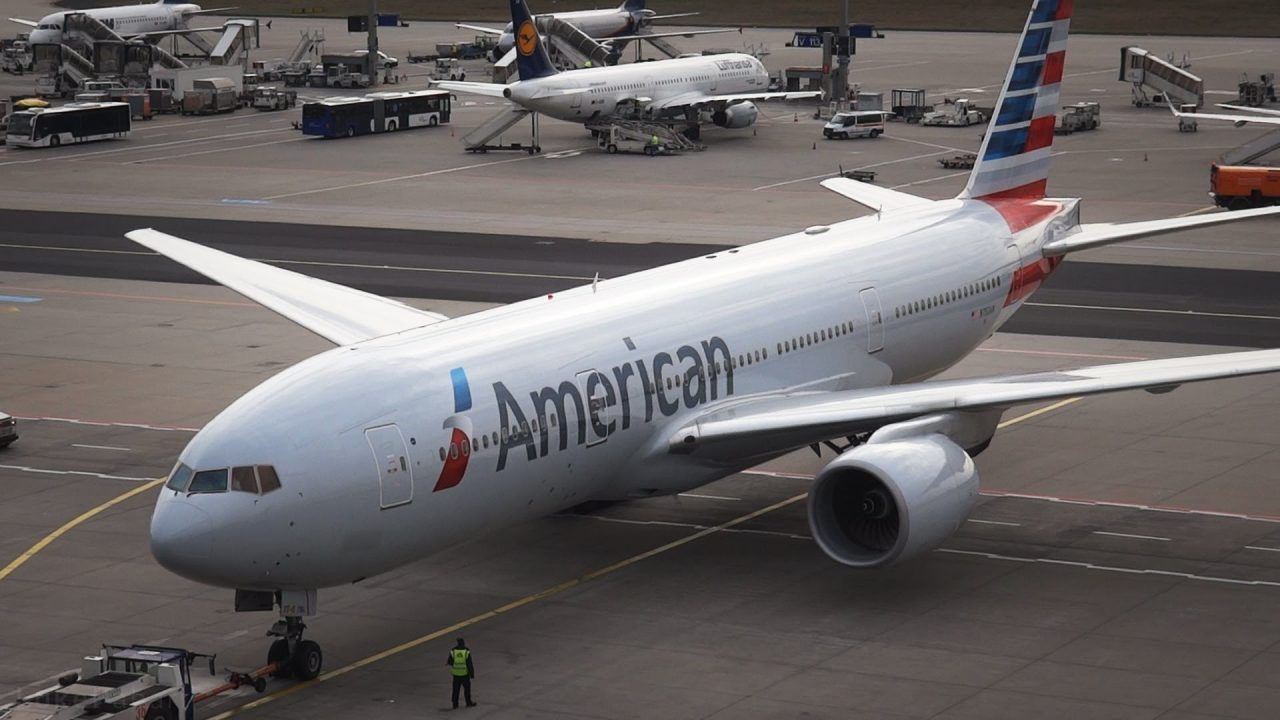 American Airlines Boeing 777 200er Pushback Taxi Takeoff At Frankfurt Boeing 777 American Airlines Boeing