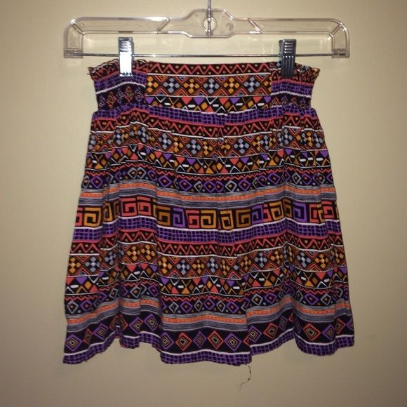 Forever 21 tribal skirt size XS forever 21 multicolored tribal printed skirt Forever 21 Skirts Mini