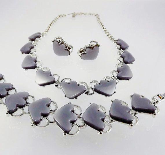 Vintage Mid Century Plastic Lucite Sea Shell Flower Faux Pearls Necklace Earrings Demi Parure
