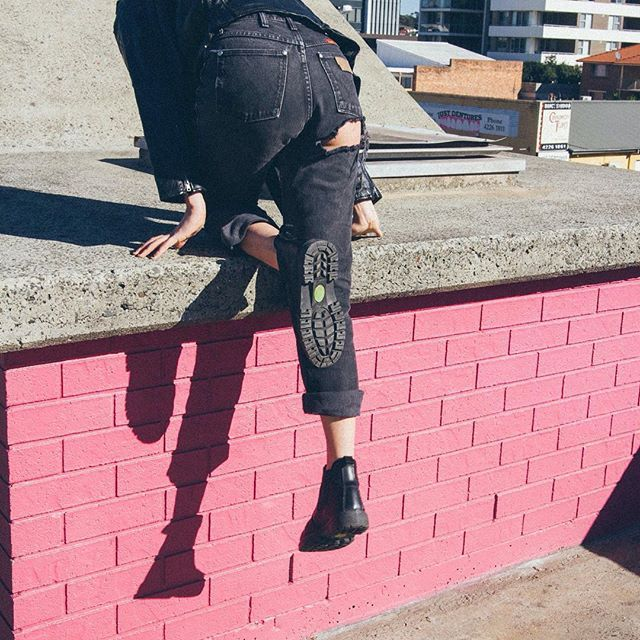 CITY ROOFTOP ⚡️💘 Booty rip jeans on their way! We currently have 4 x untouched vintage jeans left online that we are happy to customise for you personally + create any rips you wish for! 💕 📷 @danesingleton