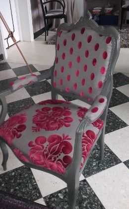Fauteuil louis xv tissus beaubourg et galliera casal for Recouvrir chaise tissu