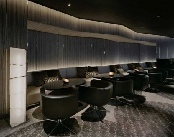 Dramatic Splendid Modern Bar Lounge Design In Mysterious Black