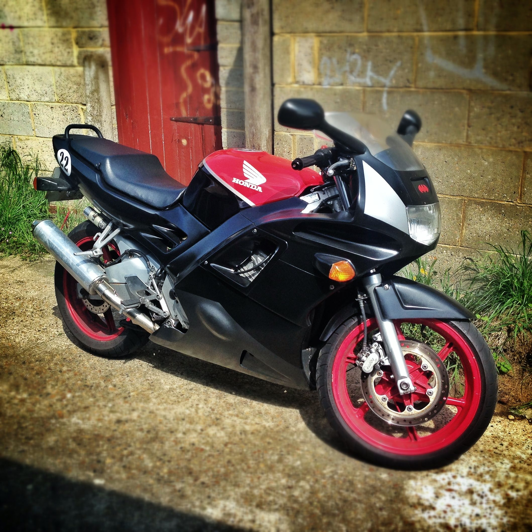 My Cbr600f2 With New Colour Scheme Cbr600f S Cars Motorcycles