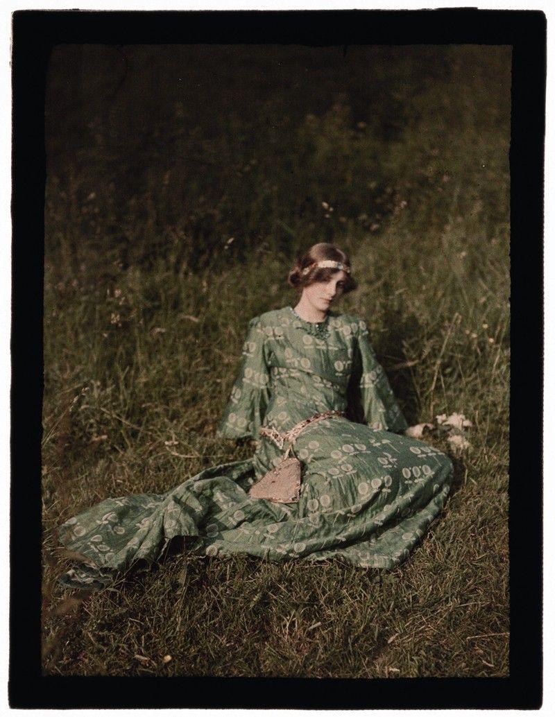 "Edwardian Opulence John Cimon Warburg (1867-1931), ""Daydreams"" ca. 1909  © The Royal Photographic Society Collection at the National Media ..."