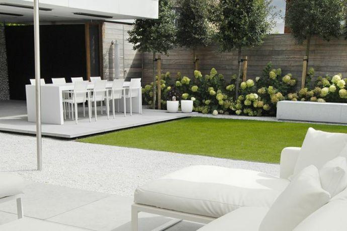 Moderne Gartenmöbel Gestaltung in Weiß-Landschaft im