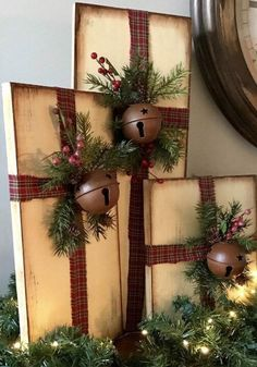 FREE SHIPPING Christmas Present Decor Rustic Farmhouse Christmas Decor Distressed Christmas Decorations Christmas Decor #weihnachtlicheszuhause
