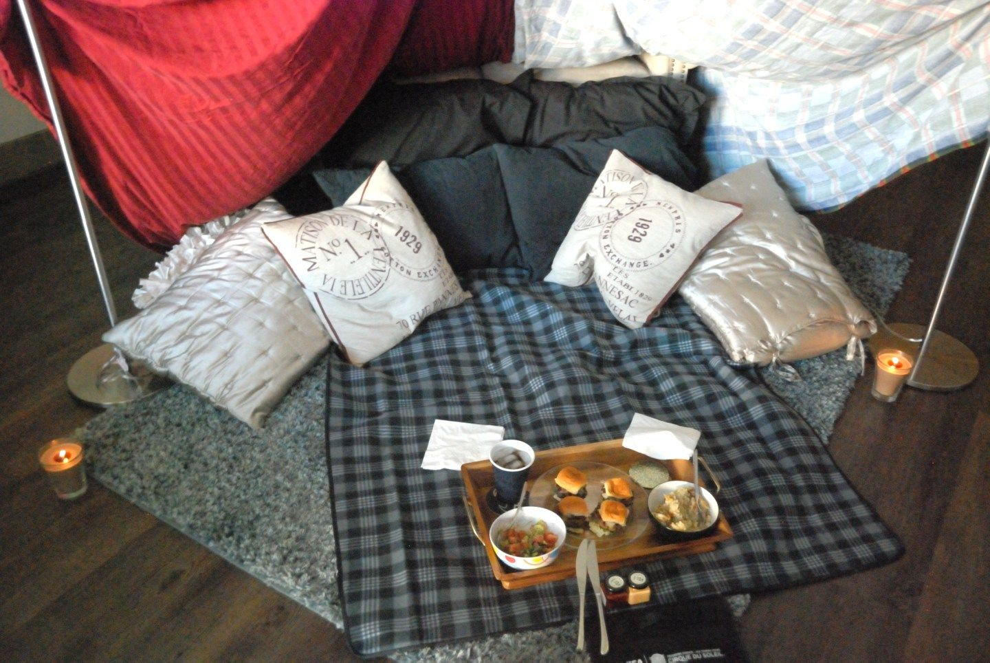 Whether you're looking for a date night idea or idea for a girls night in, glamping is always the perfect idea.