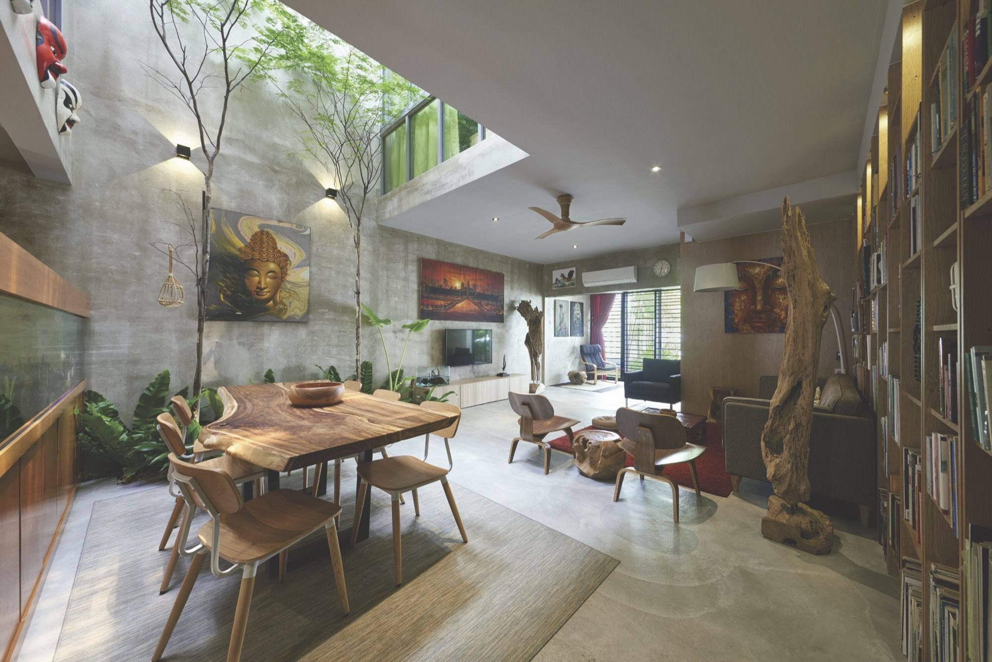 Open Plan Living Space Centered Around A Double Height Indoor Courtyard Sungai Buloh Petaling District S Architecture House Home Inside Design Terrace House
