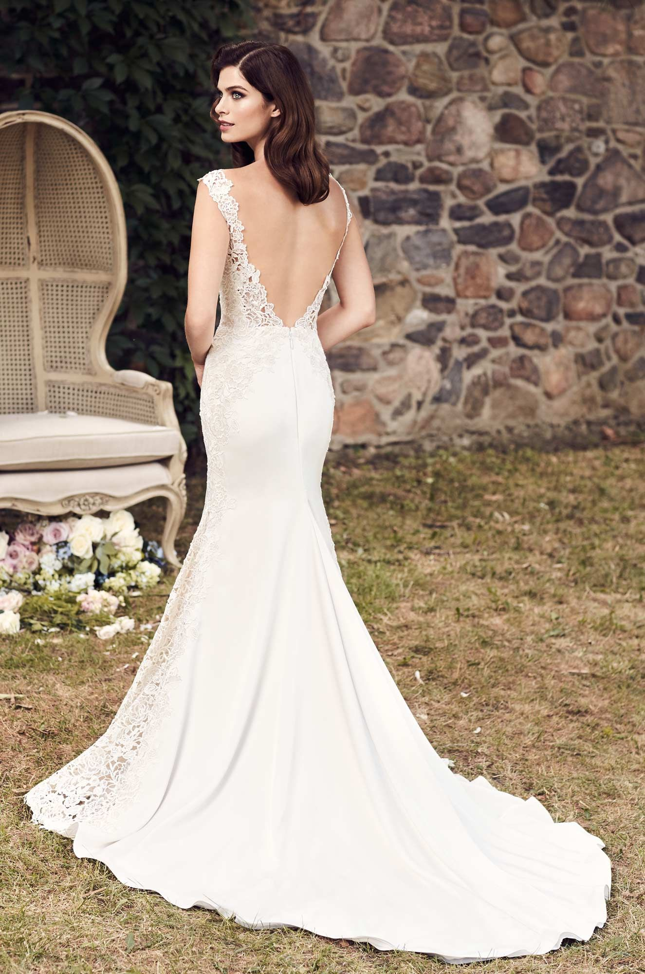 Contrasting lace wedding dress style spring