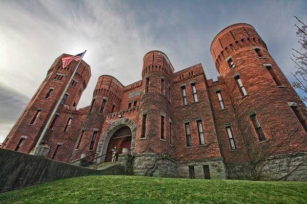 New York Usa Award Winning Renovation Of Former Armory Castle