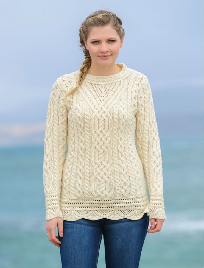 Aran Tunic Sweater with Scallop Lace - Natural White | Patrones ...