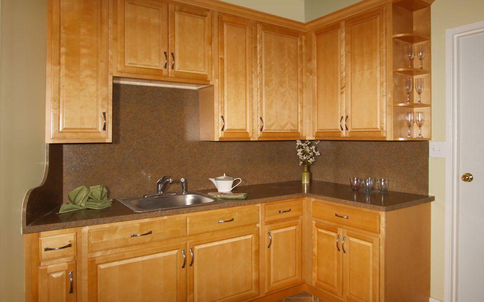 E&r Kitchen Cabinets