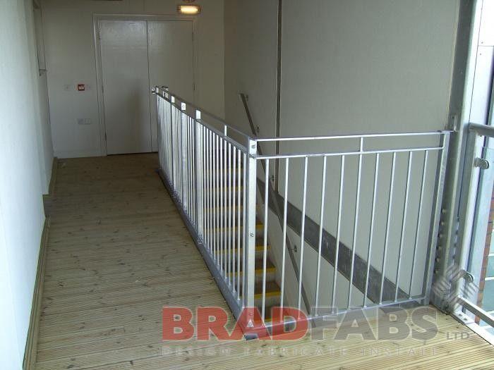 Best Balustrade Steel Balustrade Glass Balustrade Garden 400 x 300