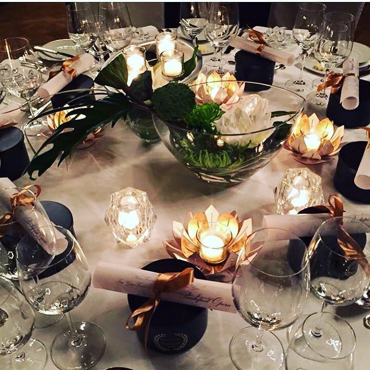 Shared by monica_candles_party #homedesign #contratahotel (o) http://ift.tt/1Qv318y tavolo da sogno  #partylite #candles  #homedecor #deko #fragrance #atmosphere #light #emotions #passion #party