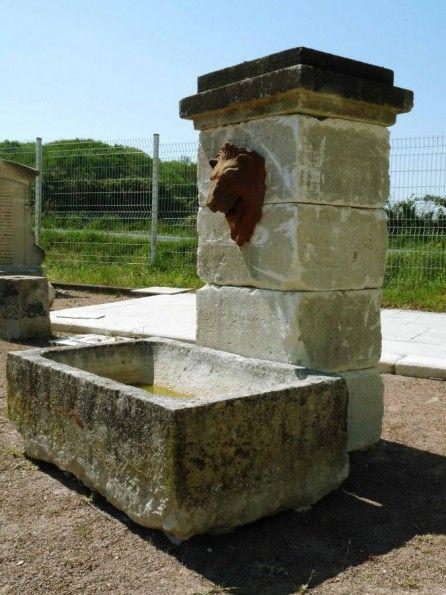 bassin en pierre calcaire