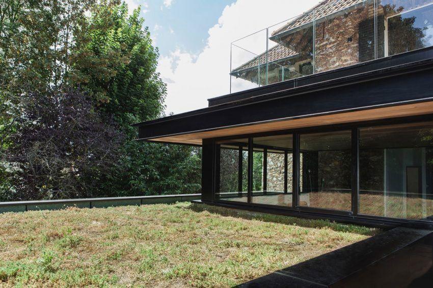 Extension moderne sur une maison ancienne dans les Hauts de Seine - maison toit en verre