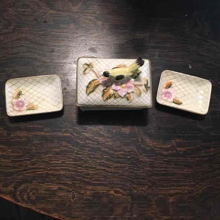Vintage style trinket box and dishes - Mercari: Anyone can buy & sell