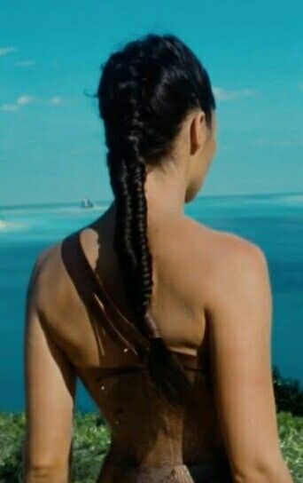 This Is How You Can Recreate Four Different Hairstyles Seen In The Wonder Woman Trailer Wonder Woman Cosplay New Hair Do Wonder Woman