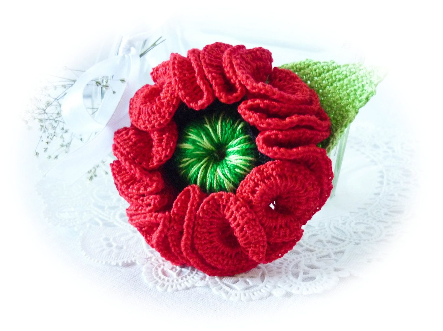 Red Poppy - Crochet Brooch | crochet muestras | Pinterest ...