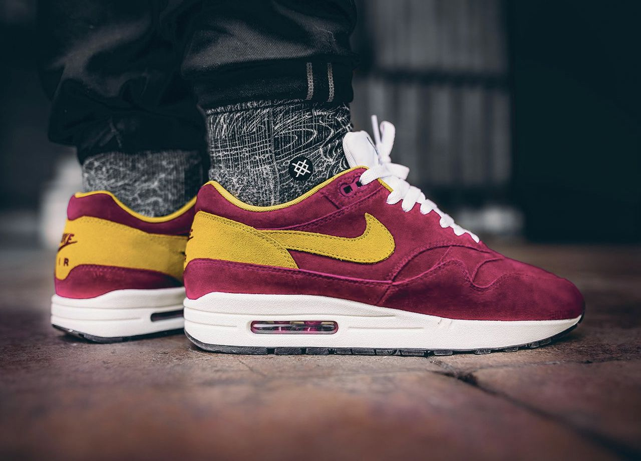 quality design 9606d b31e5 Nike Air Max 1 - Dynamic Berry Vivid Sulfur - 2017 (by souvenirsombre)